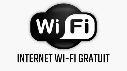 Internet gratuit în parcurile din centrul Romanului