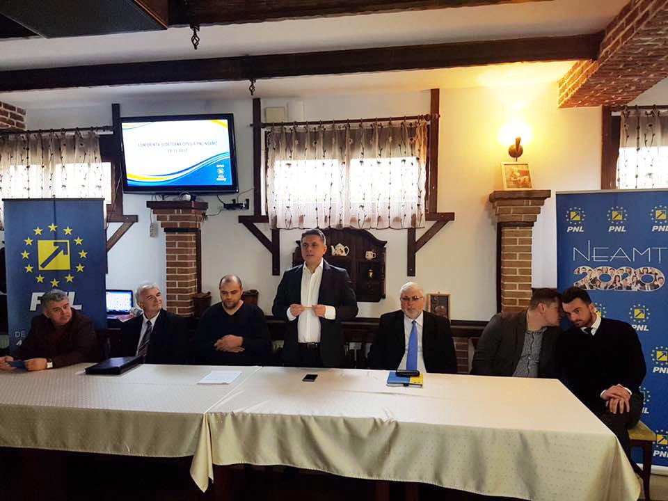Organizația Pensionarilor și Vârstei a Treia (OPV3) PNL Neamț și-a ales noua echipă de conducere