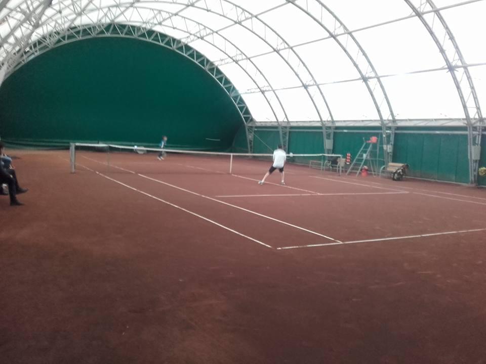 Competiții de tenis și de înot la Roman, la începutul lunii decembrie