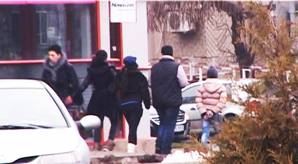 Hoții minori fură în plin centrul Romanului. Legea nu îi pedepsește, ci îi lasă în libertate