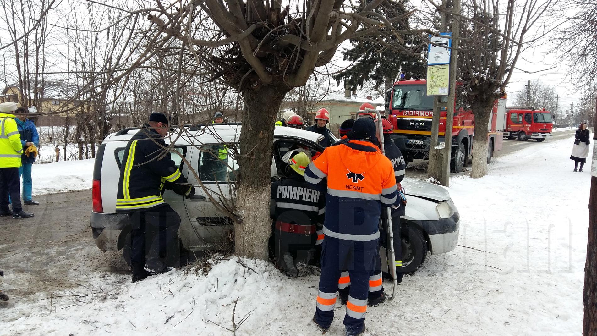 [VIDEO] Femeie încarcerată după un accident petrecut pe strada Bogdan Dragoș
