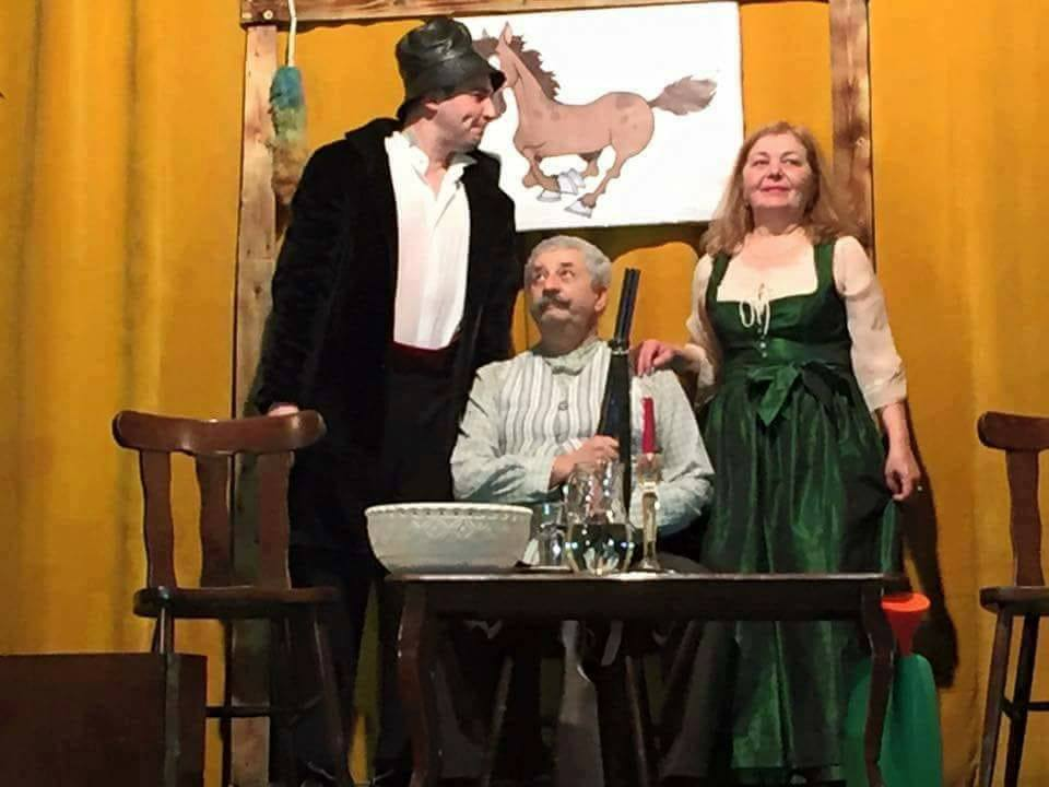 """Teatrul """"Dan Alecsandrescu"""" prezintă """"Tripticul"""" lui Cehov, pe scena Cercului Militar"""