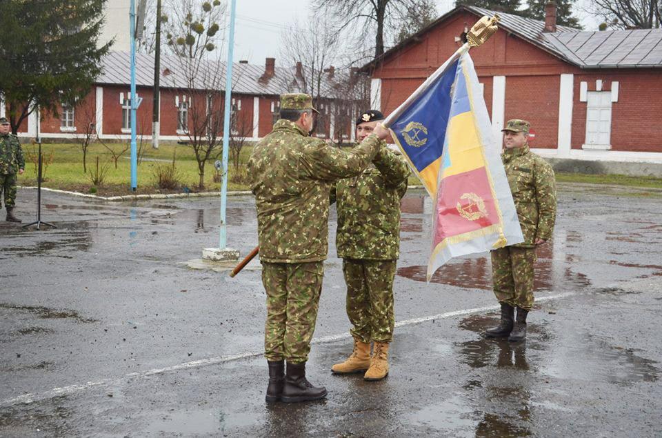 """Un nou comandant pentru Baza 3 Logistică """"Zargidava"""" și Garnizoana Roman"""