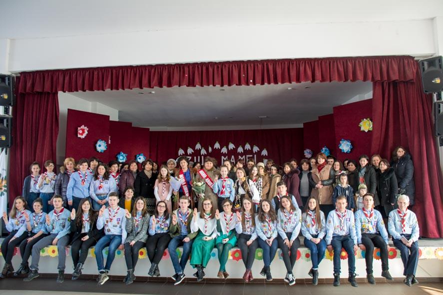 """Femeile din Pildeşti au ales """"Mama Anului Scout 2018"""""""