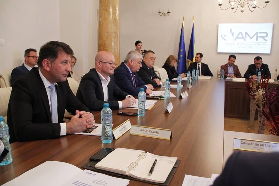 Primarii cer Guvernului recuperarea banilor pierduți prin noile măsuri fiscale