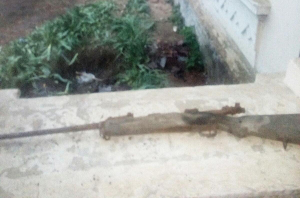 Armă găsită după demolare, pe bulevardul Republicii
