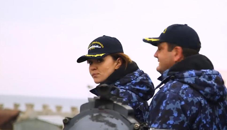 [VIDEO] O romașcancă, ofițer de Marină, a devenit imaginea NATO