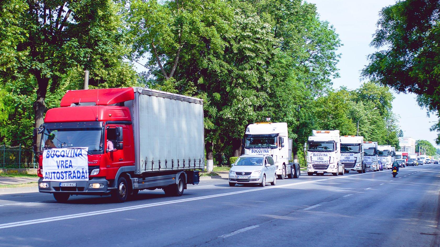 [VIDEO] Sute de mașini și motociclete au trecut prin Roman, în marș pentru autostrăzile Moldovei