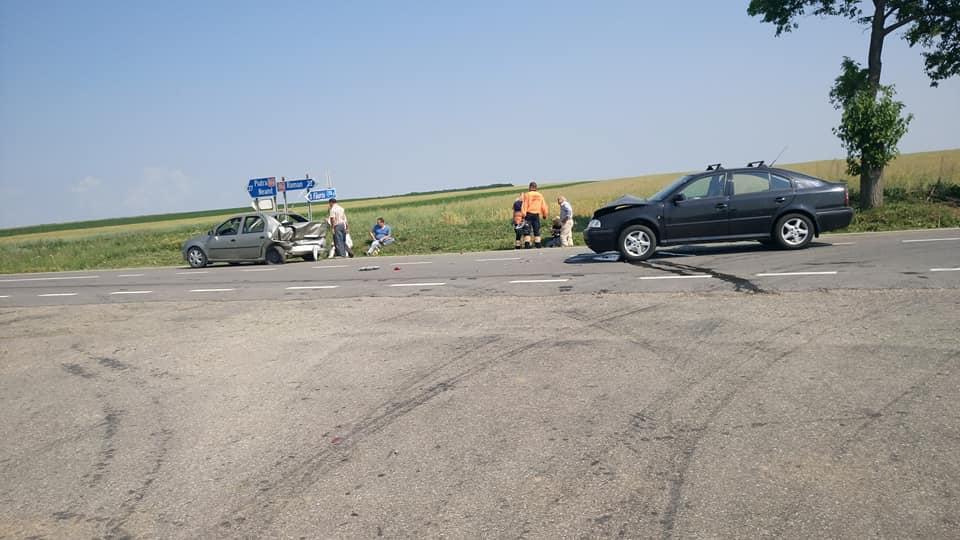 Accident cu doi răniți, pe drumul spre Piatra Neamț, la Bozienii de Sus