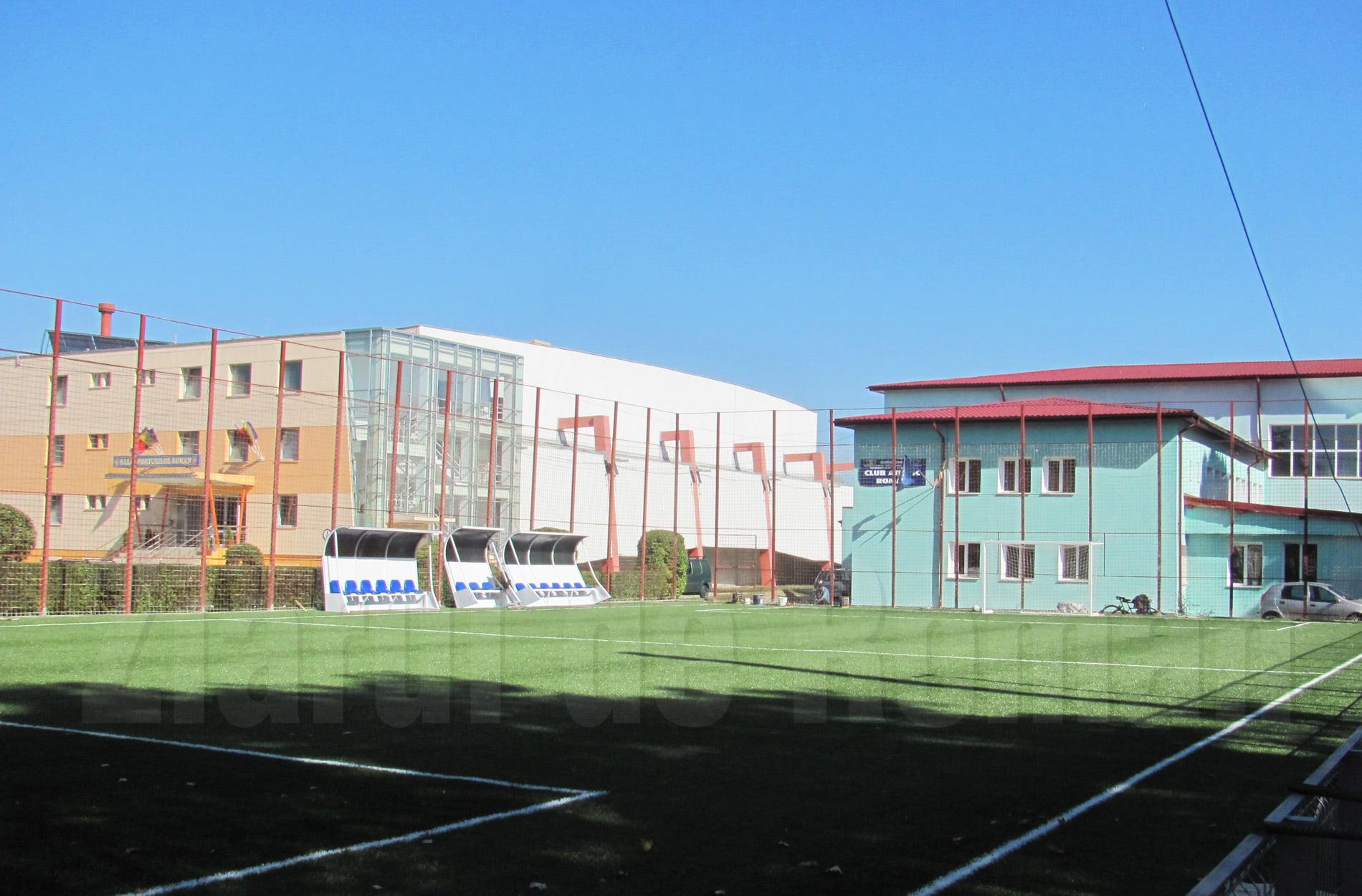 Programul pentru terenurile de sport de lângă Sala Sporturilor, prelungit până la orele 22