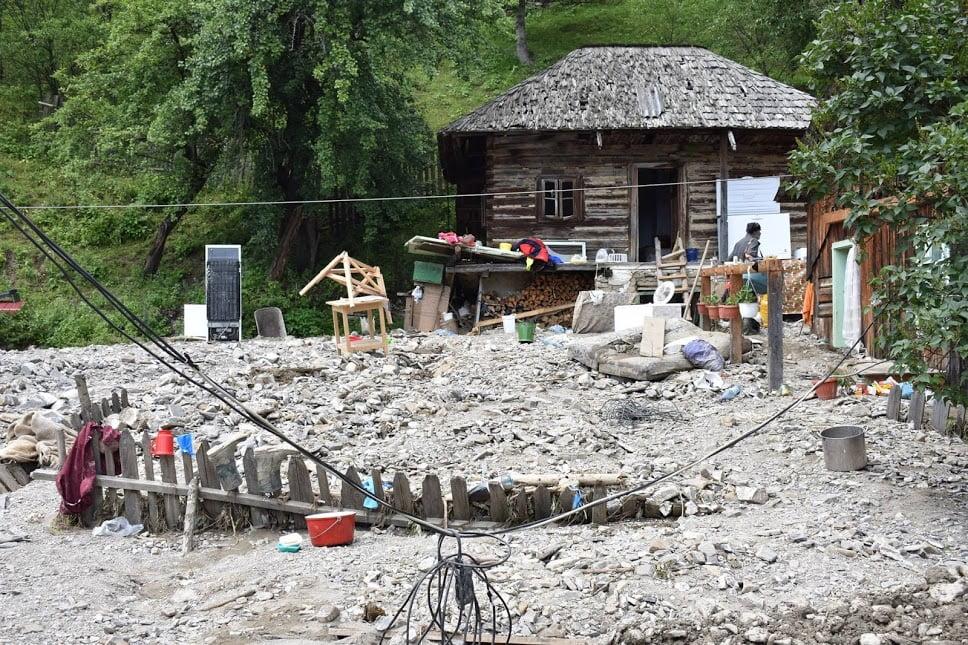 Centrul Diecezan Caritas, alături de sinistraţii din Neamț