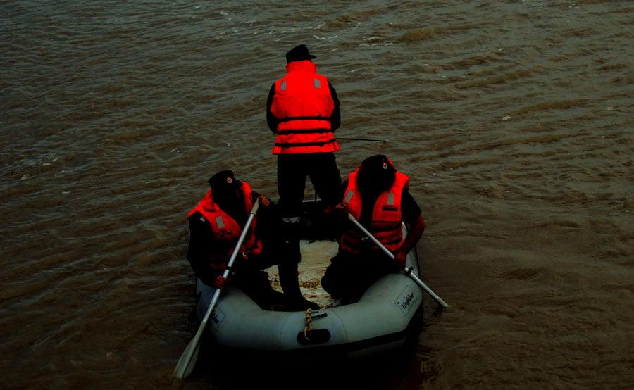 Tânărul din Roman dat dispărut, găsit înecat în râul Moldova