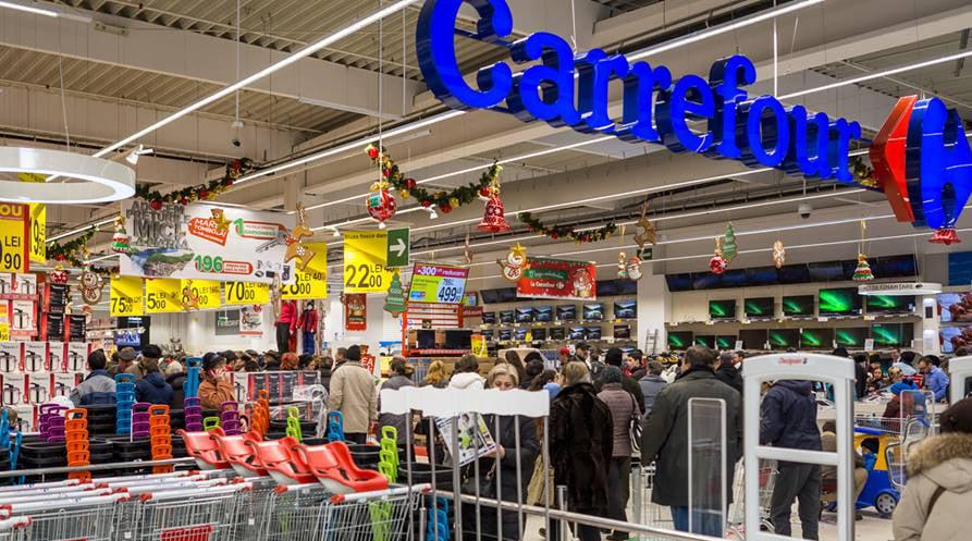 Carrefour vrea să angajeze 300 de oameni pentru noul hypermarket de la Roman