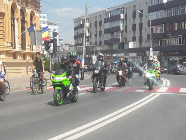 """Paradă a motocicliștilor în Roman, în cadrul campaniei preventive """"Alege viața"""""""