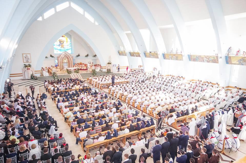 10.000 de credincioși la ceremonia de beatificare a primei femei catolice românce, Veronica Antal