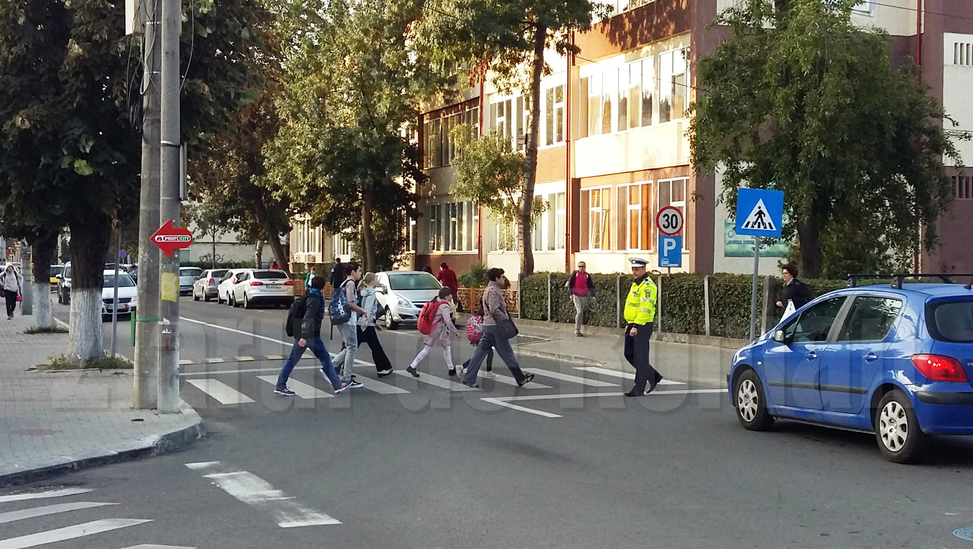 Polițiștii, alături de elevi în noul an școlar