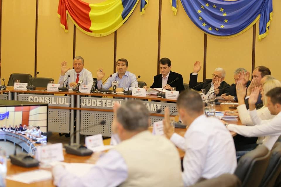 Consilierii județeni se întrunesc miercuri în ședință ordinară