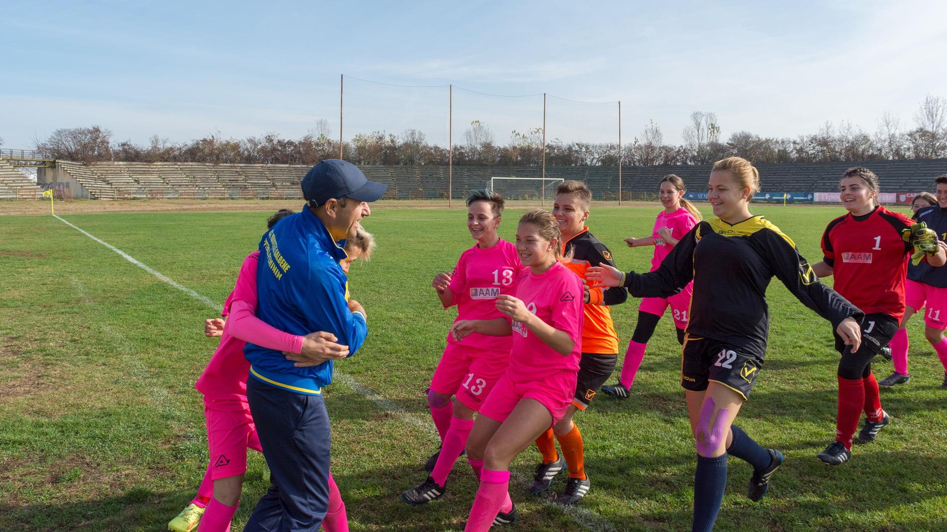 O nouă victorie pe teren propriu pentru ACS Vulpițele Galbene Roman. VIDEO
