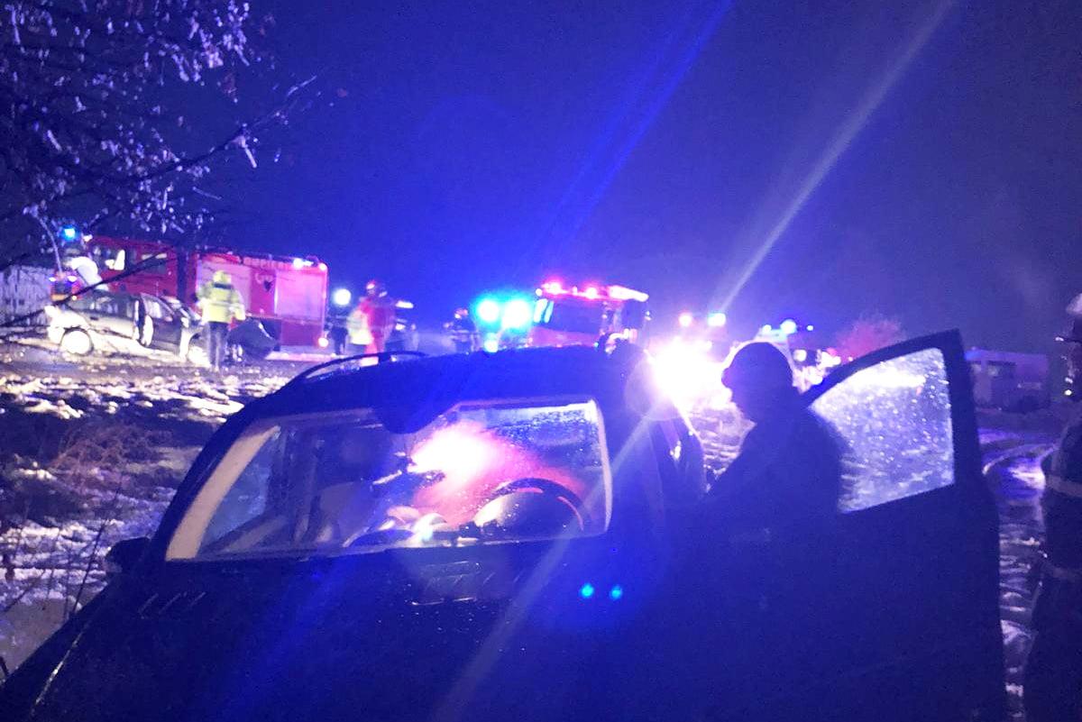 Neacordarea de prioritate, cauza unui accident soldat cu mai multe victime, pe E85