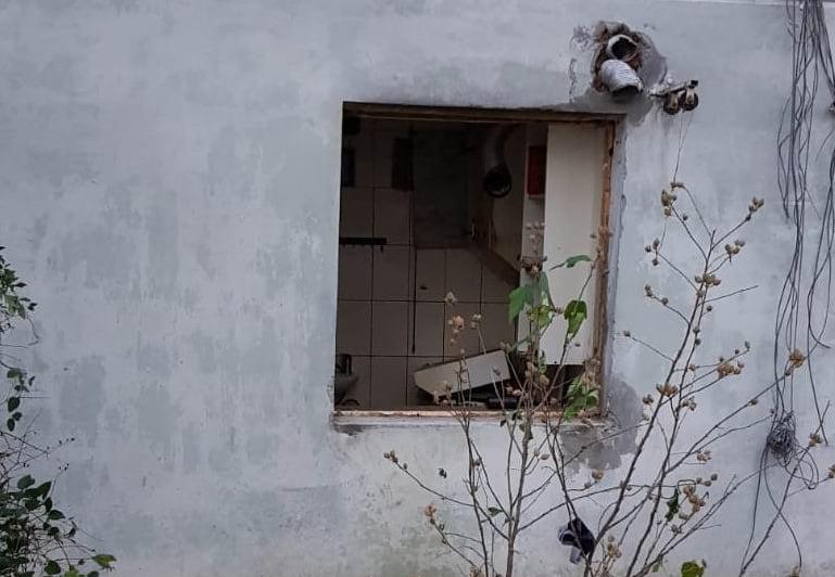 Explozie într-o garsonieră în Roman, pe strada Tudor Vladimirescu