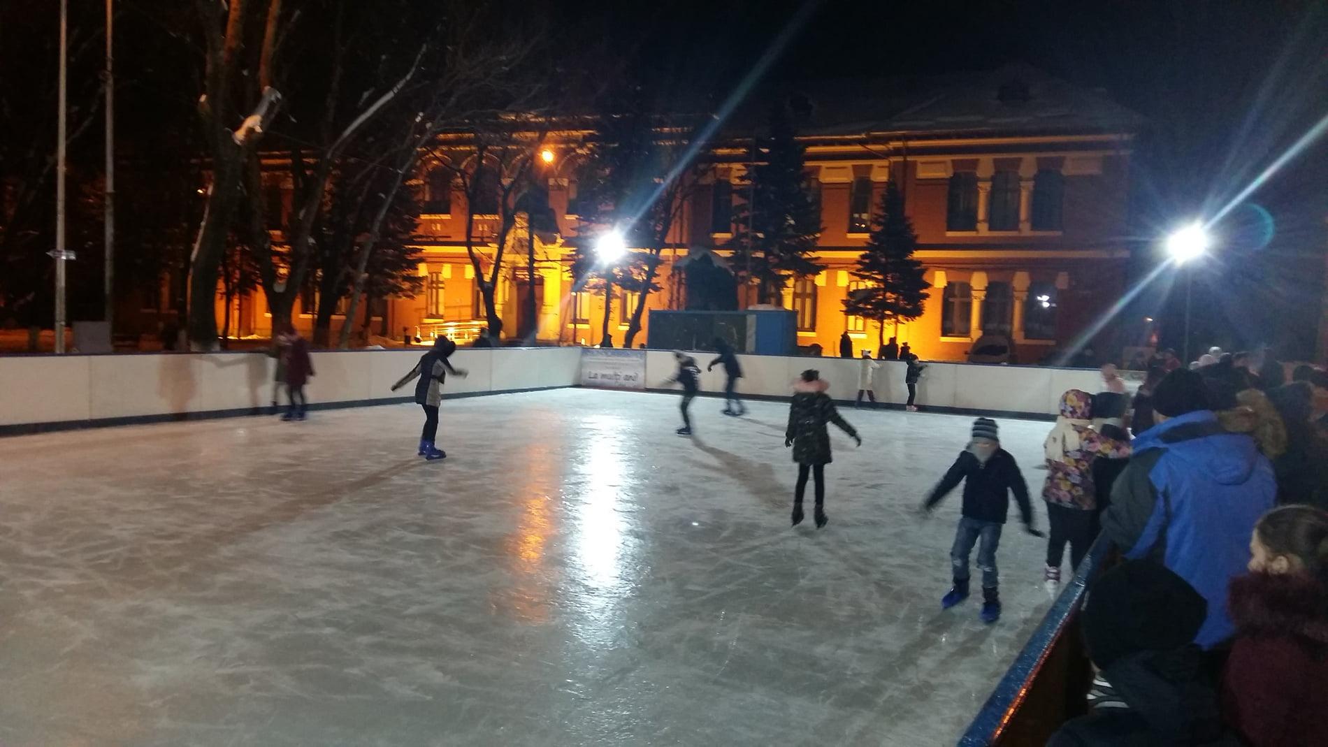 Ultima săptămână de acces la patinoarul din Roman