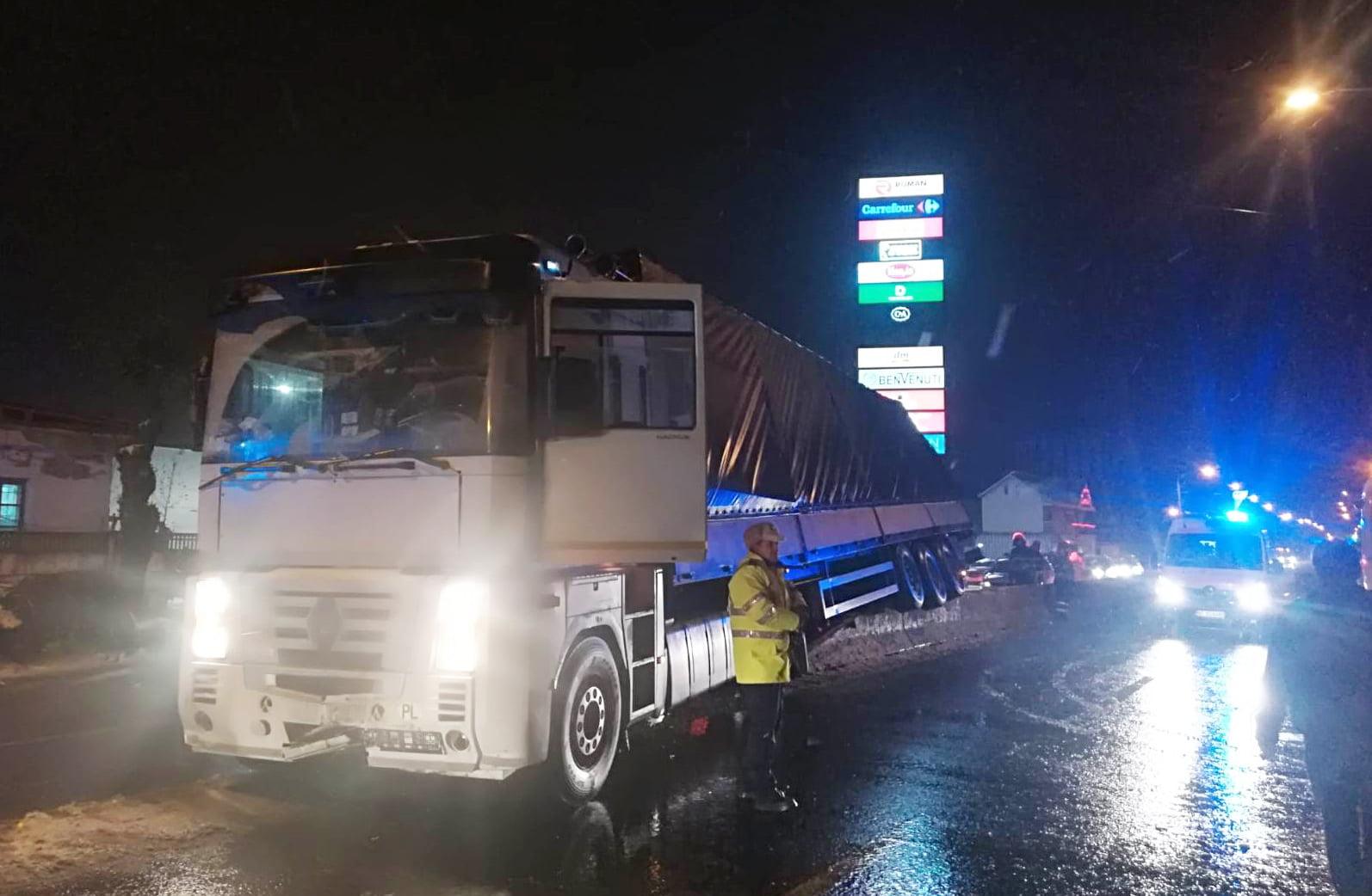 Șoferul polonez de tir care a provocat accidentul de la ieșirea din Roman a ajuns în arest
