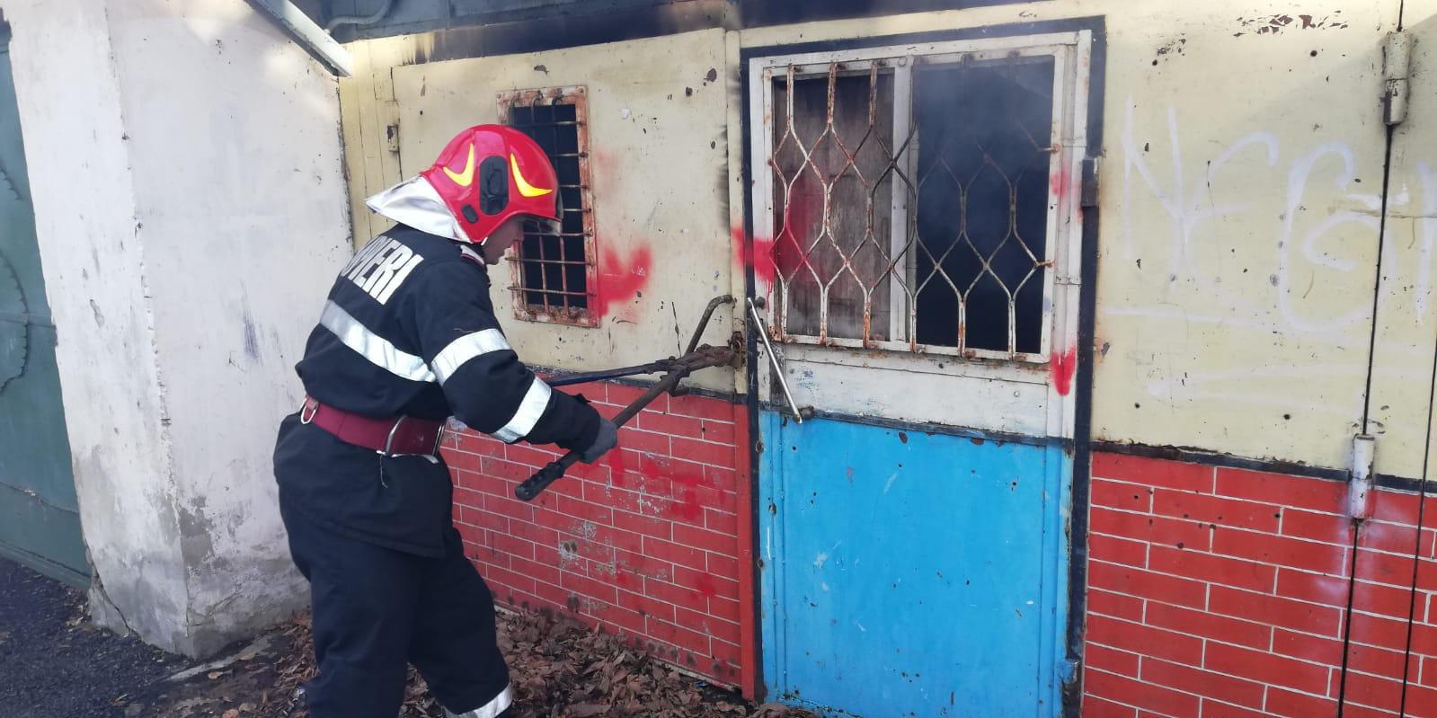 Incendiu la un garaj de pe strada Anton Pann