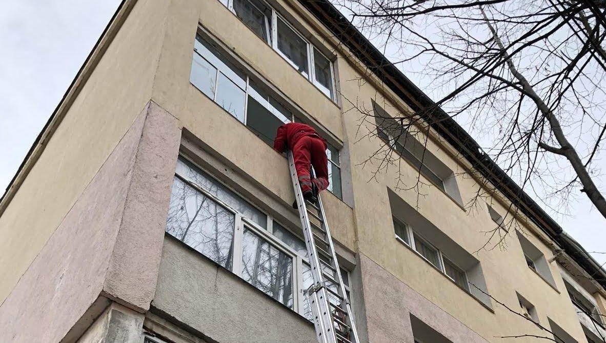 Femeie găsită decedată, pe strada Tudor Vladimirescu