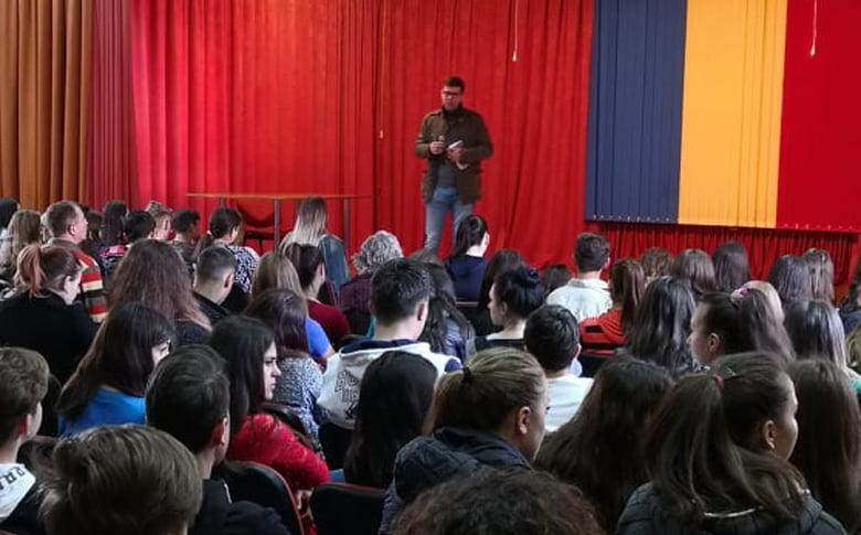 """Curs de educație juridică, pentru elevii Colegiului Tehnic """"Petru Poni"""""""