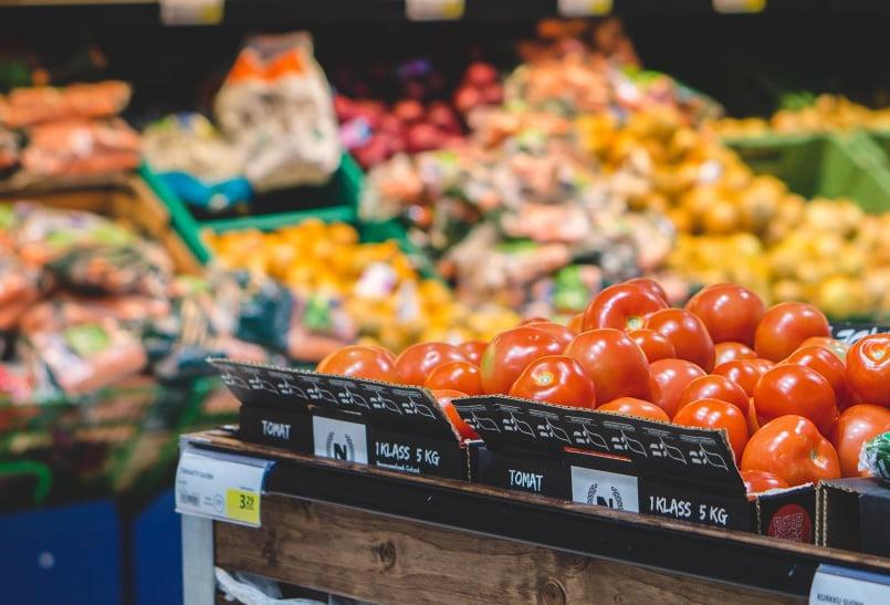 Legume și fructe cu probleme descoperite de Protecția Consumatorilor la operatori economici din Neamț