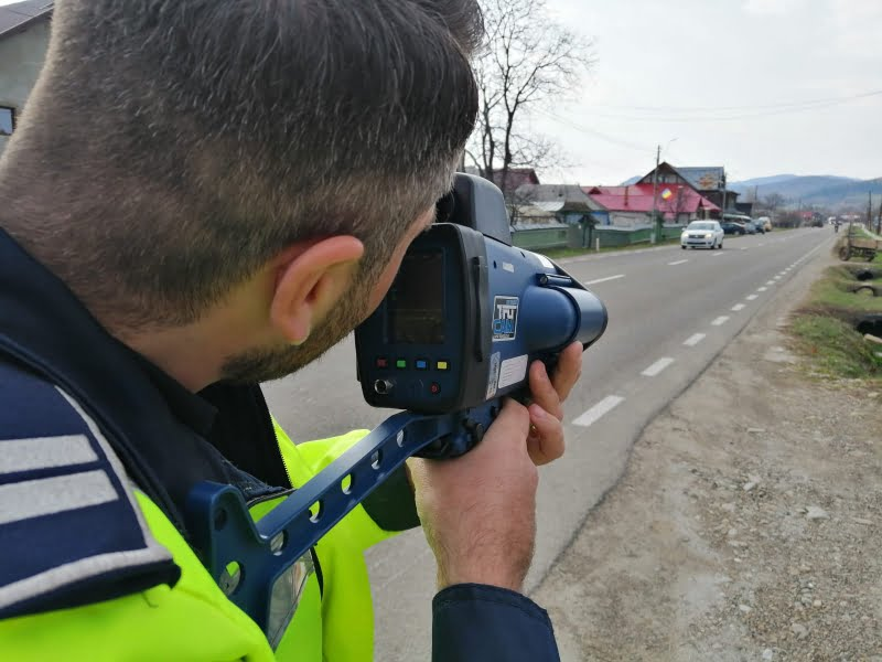 17 șoferi au rămas fără permis miercuri, din cauza vitezei