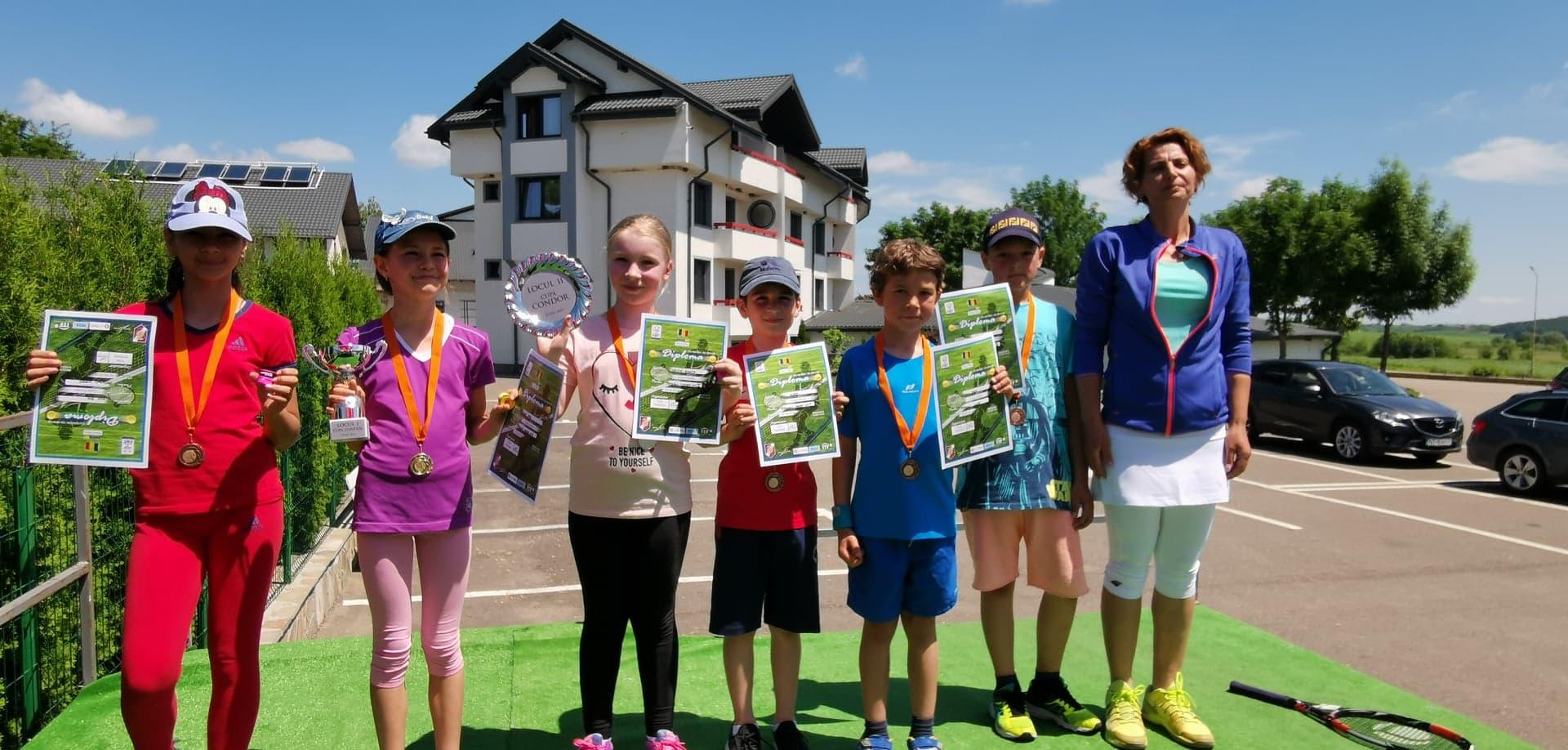 Câștigătorii turneului Cupa Condor la tenis de câmp