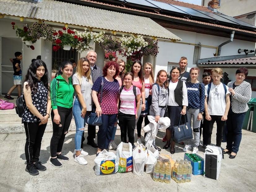 """Elevii Colegiului Tehnic """"Danubiana"""", alături de copiii de la Asociația """"Iubire și speranță"""""""