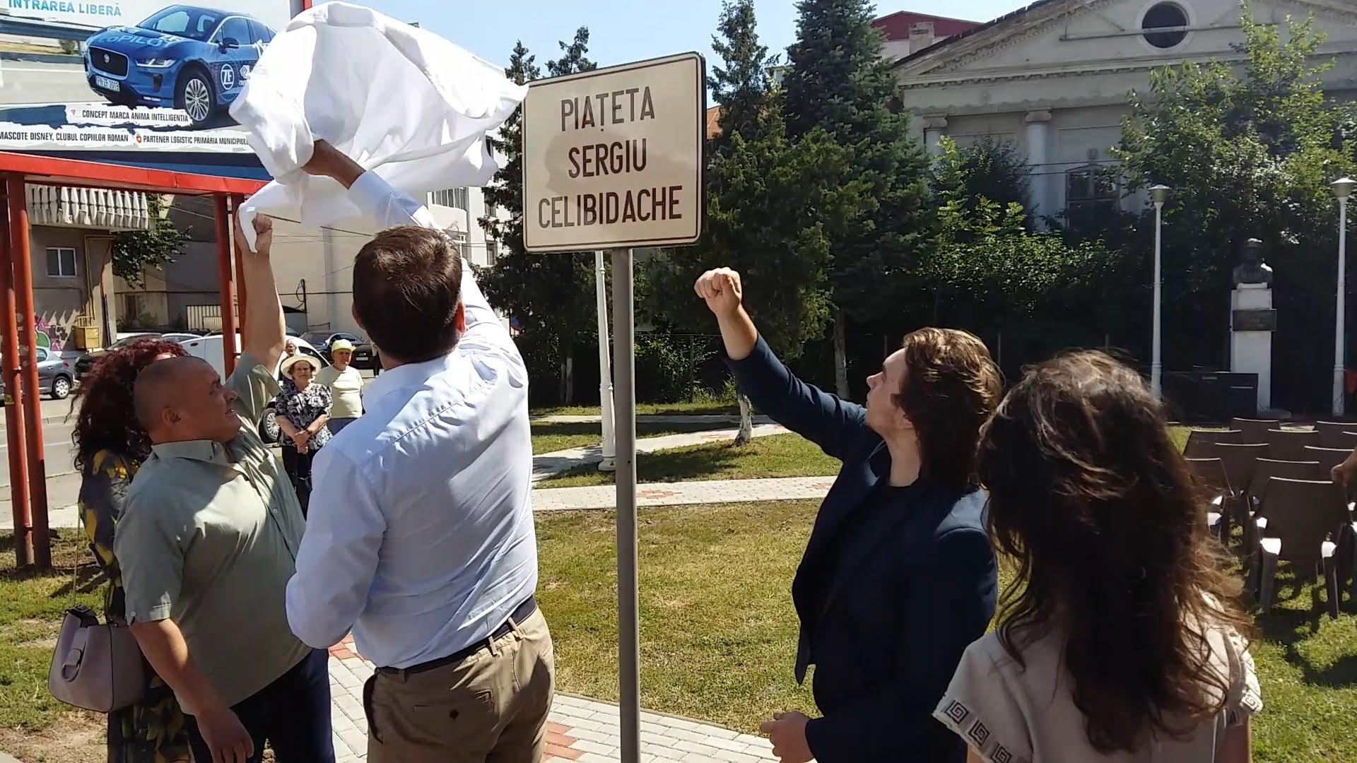 """Piațeta """"Sergiu Celibidache"""", inaugurată în centrul municipiului Roman"""