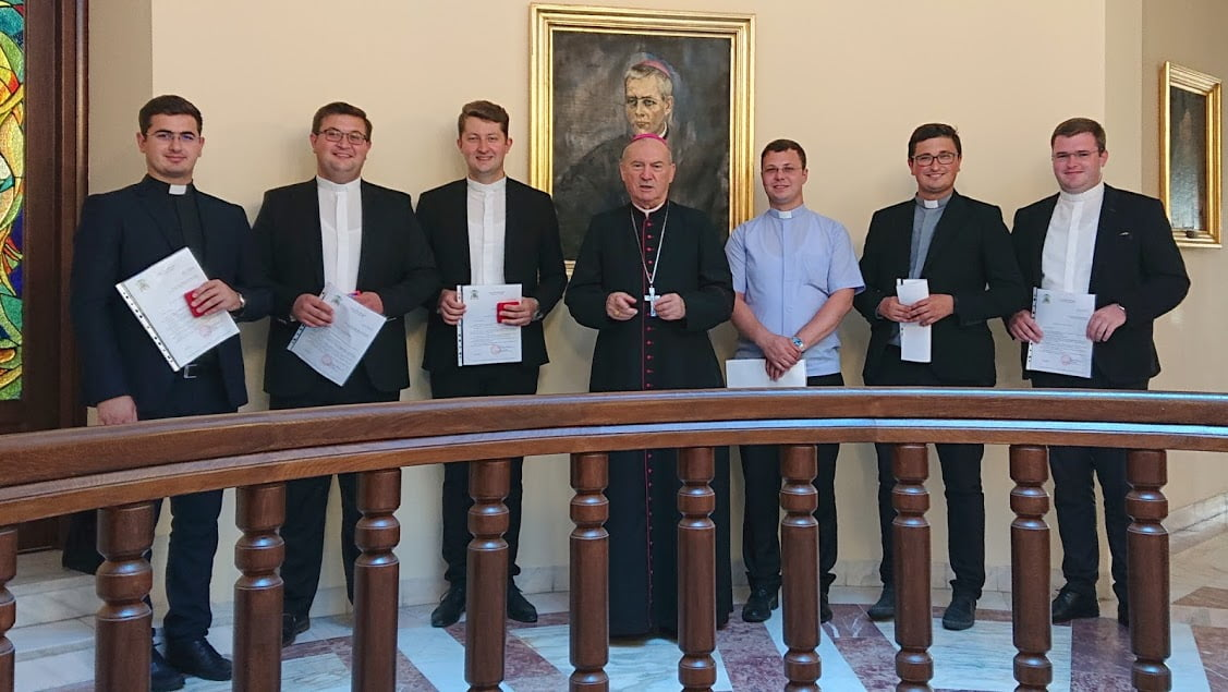 Preoți vicari noi la Roman, Tămășeni și Adjudeni