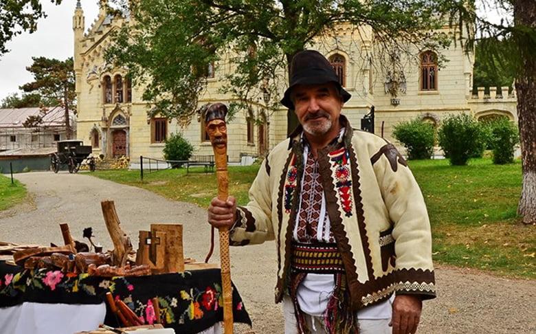 Târgul de meșteșugari și producători locali, la Castelul Sturdza de la Miclăușeni