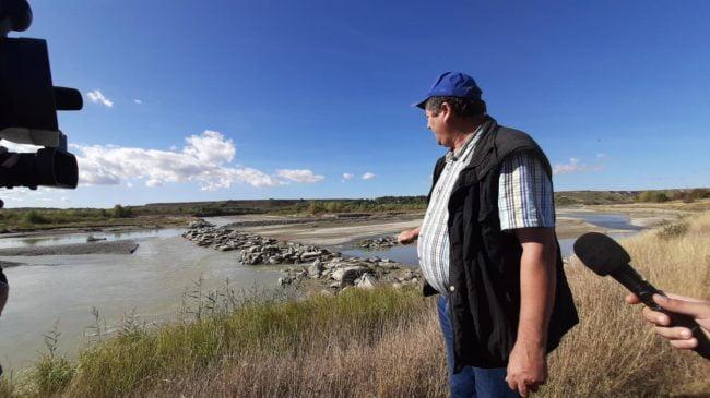 Praguri avariate în albia râului, din cauza viiturilor