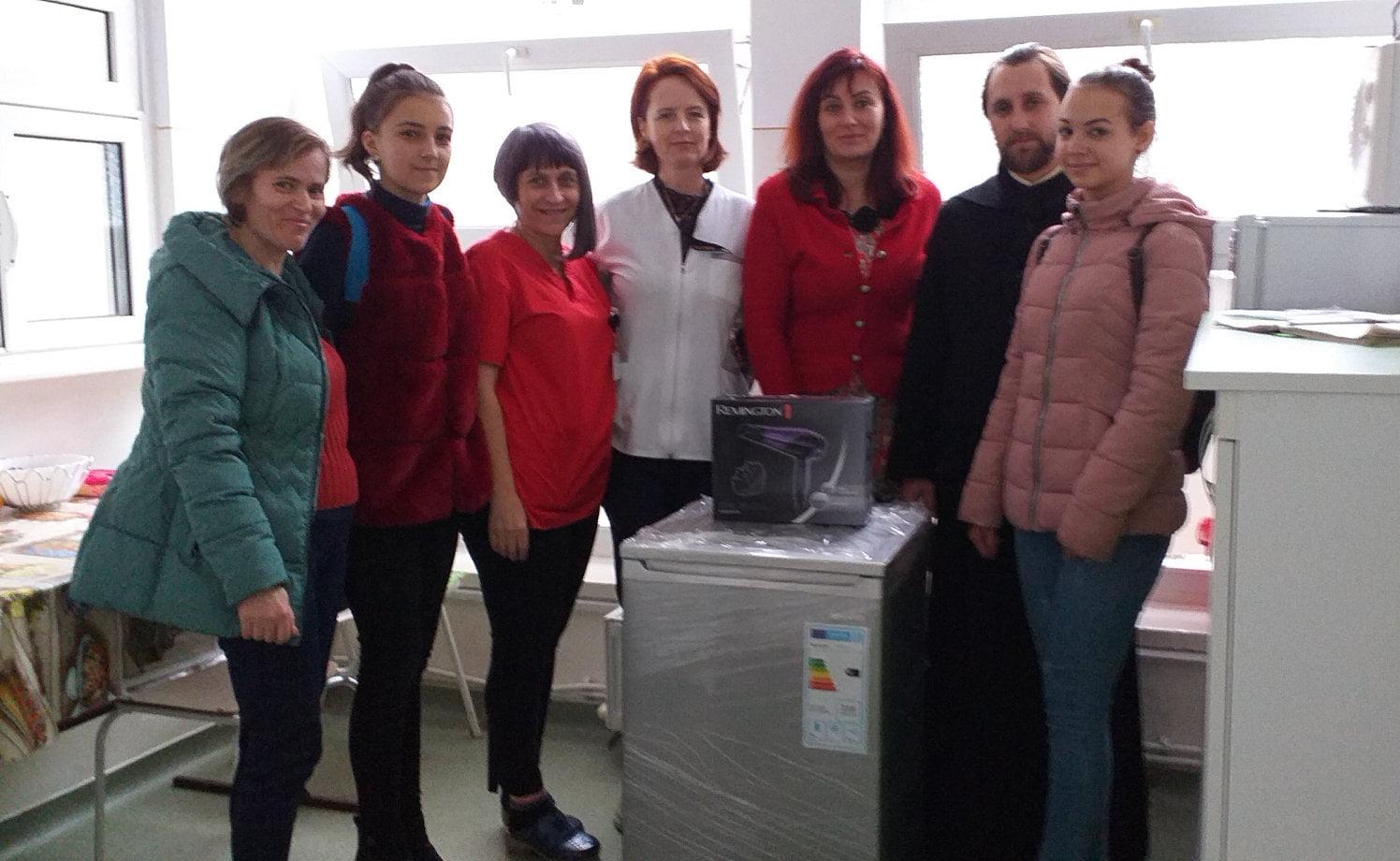Donație a credincioșilor din Poienari, pentru Compartimentul de Îngrijiri Paliative al spitalului