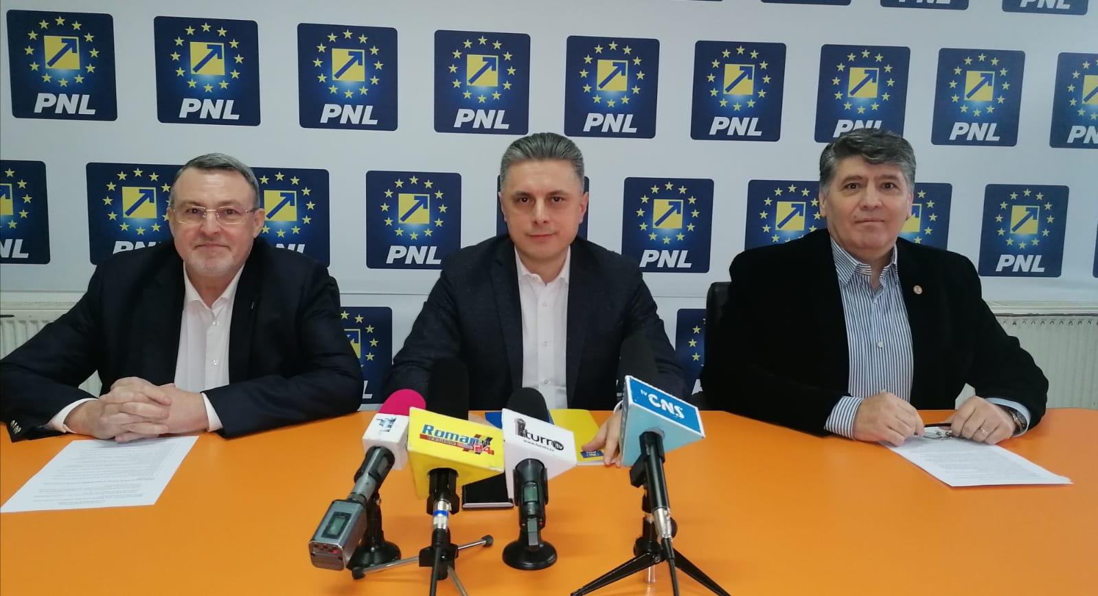 """Președintele PNL Neamț Mugur Cozmanciuc: """"Toate proiectele de investiții care au fost începute în județul Neamț vor continua"""""""