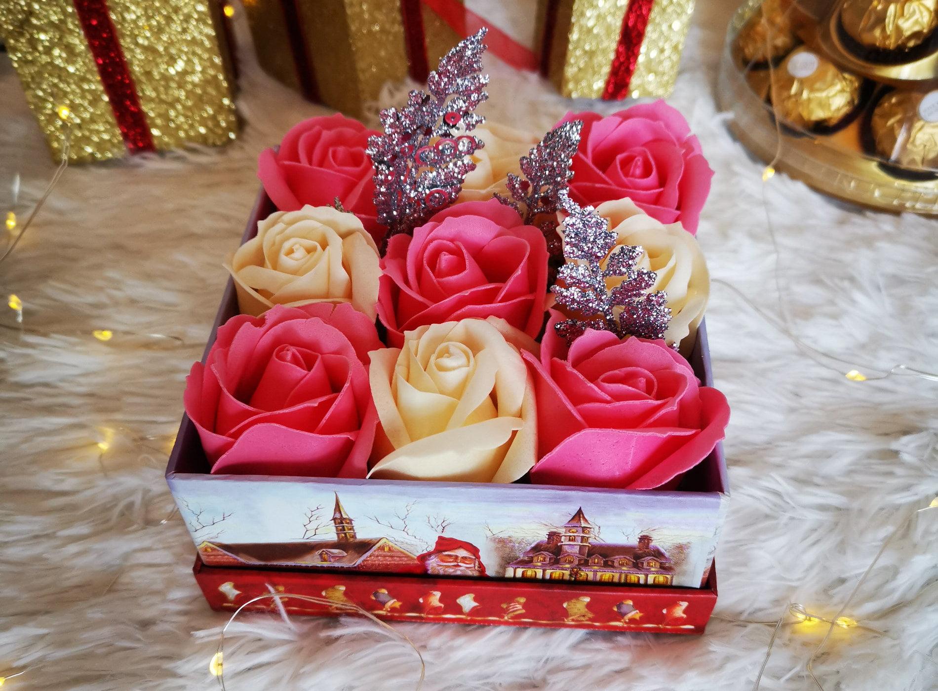 """Cadoul perfect și de Crăciun: trandafirii criogenați de la magazinul """"Perfect Roses"""" din Roman"""