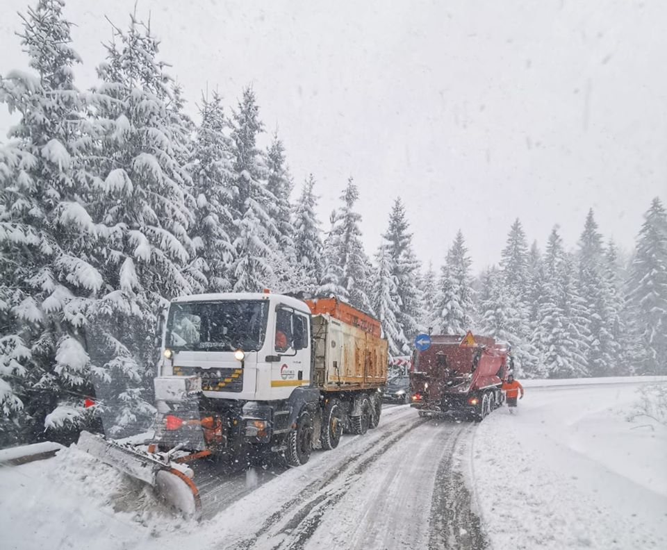 Cod galben și portocaliu de ninsori și viscol în Moldova. Cod roșu în sudul țării. Recomandările drumarilor pentru vremea nefavorabilă