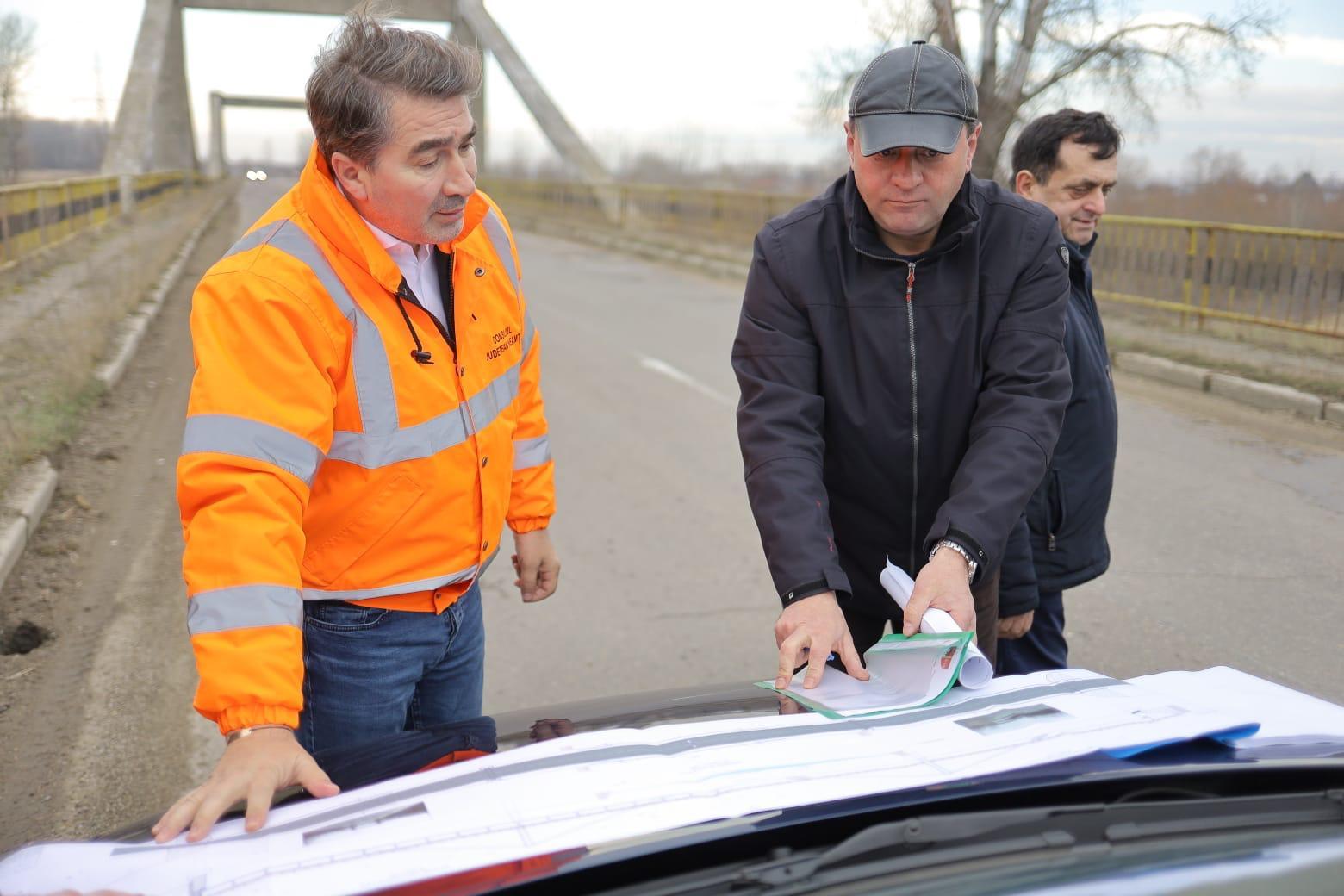 Începe reabilitarea podului de la Luțca