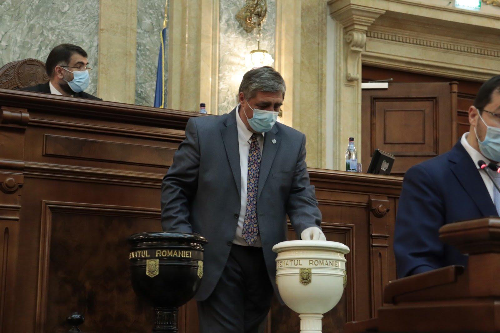 """Senatorul Dan Manoliu: """"Ministrul Agriculturii dorește să despăgubească fermierii afectaţi de secetă abia după recoltare. Așa ceva este inacceptabil"""""""