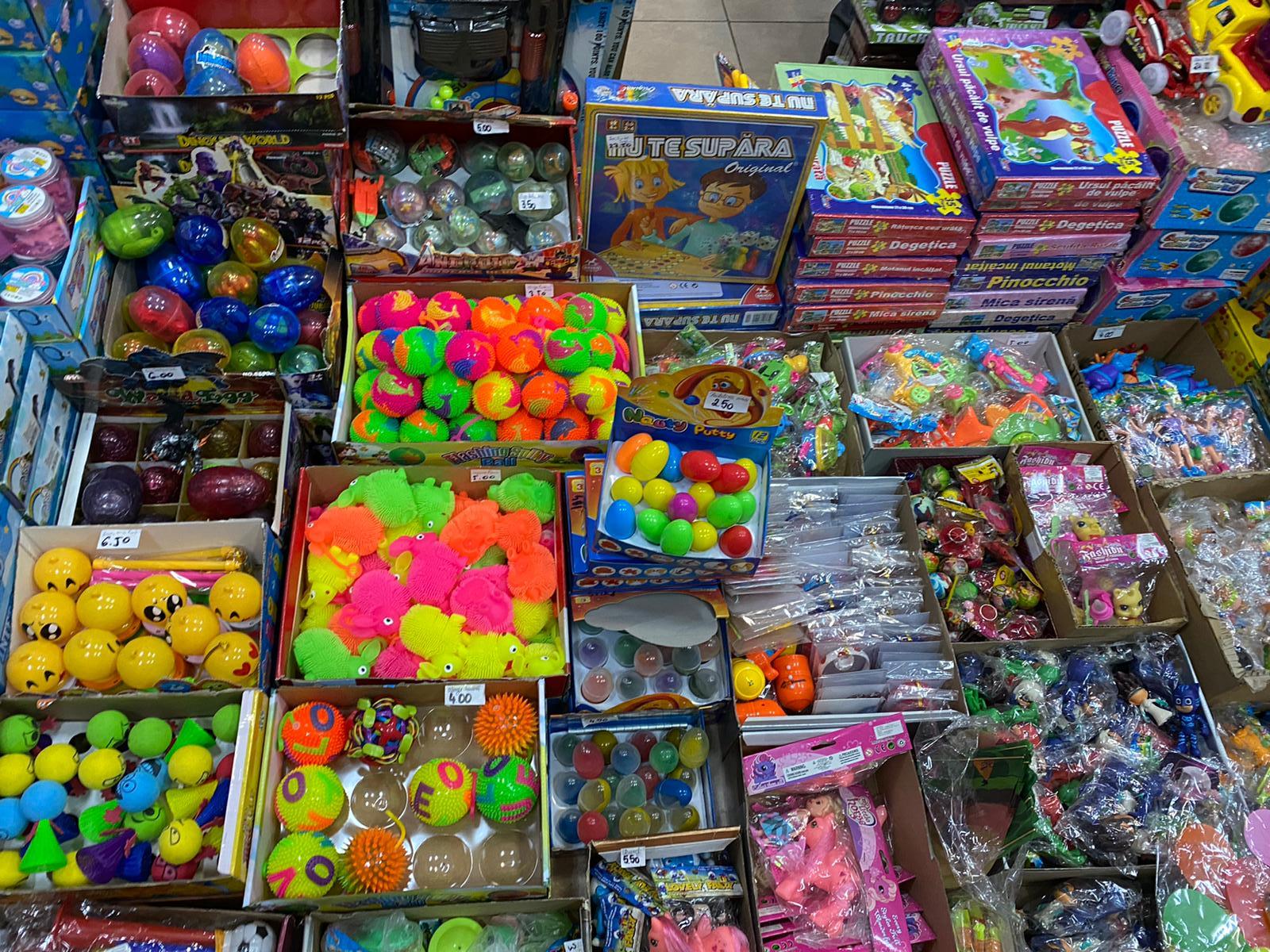 Amenzi aplicate de Protecția Consumatorilor comercianților de jucării, înainte de 1 Iunie. Nereguli în magazine din Neamț