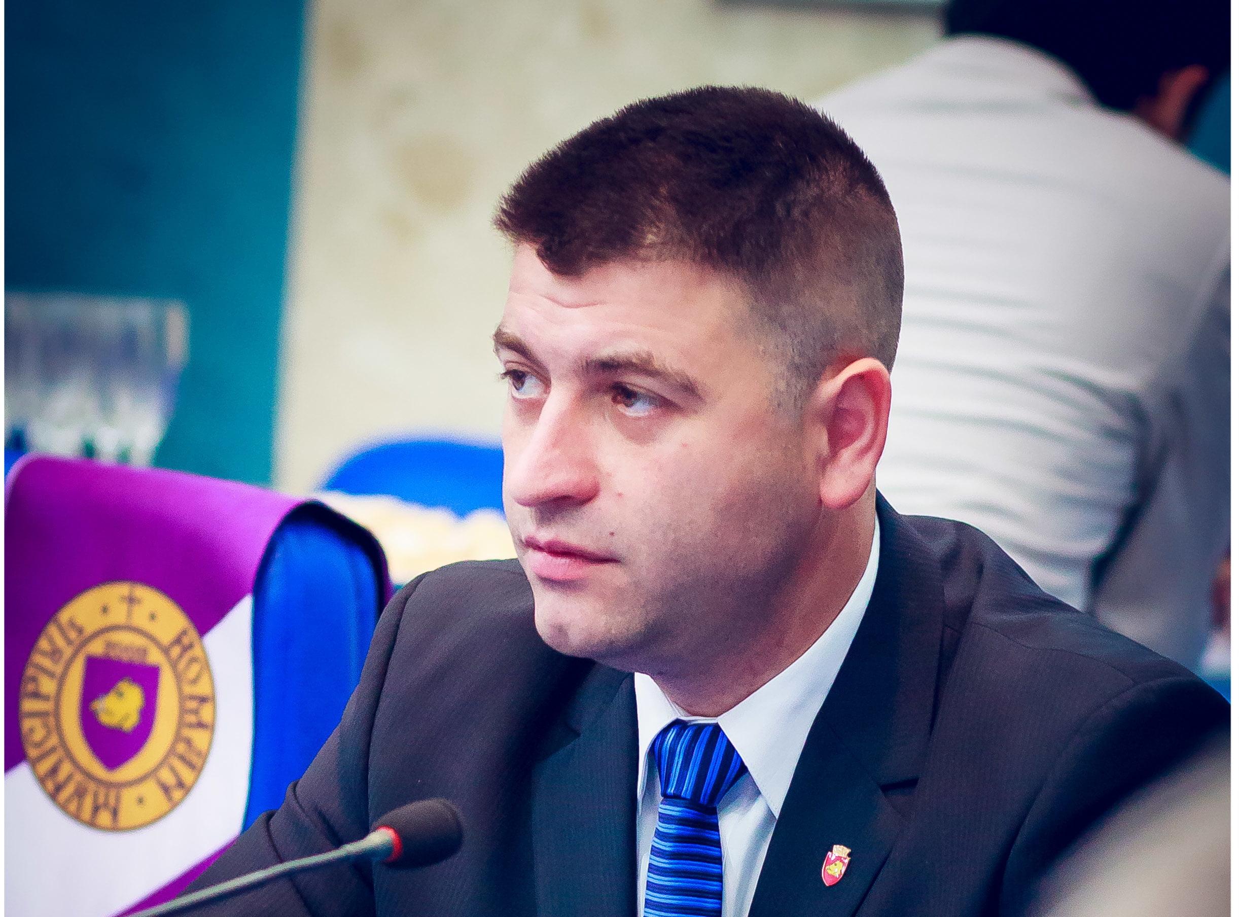 Bogdan Andrieș, propus să îndeplinească funcția de viceprimar al Romanului