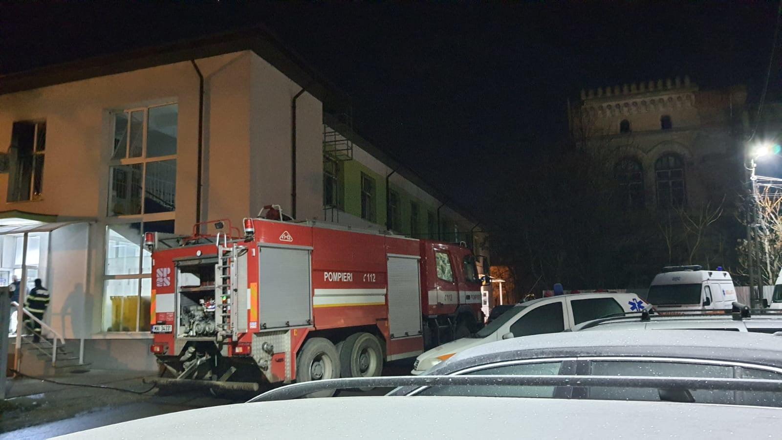 Pagube de 10.000 de lei la Secția Psihiatrie, după incendiul de sâmbătă. Doi suspecți în atenția Poliției