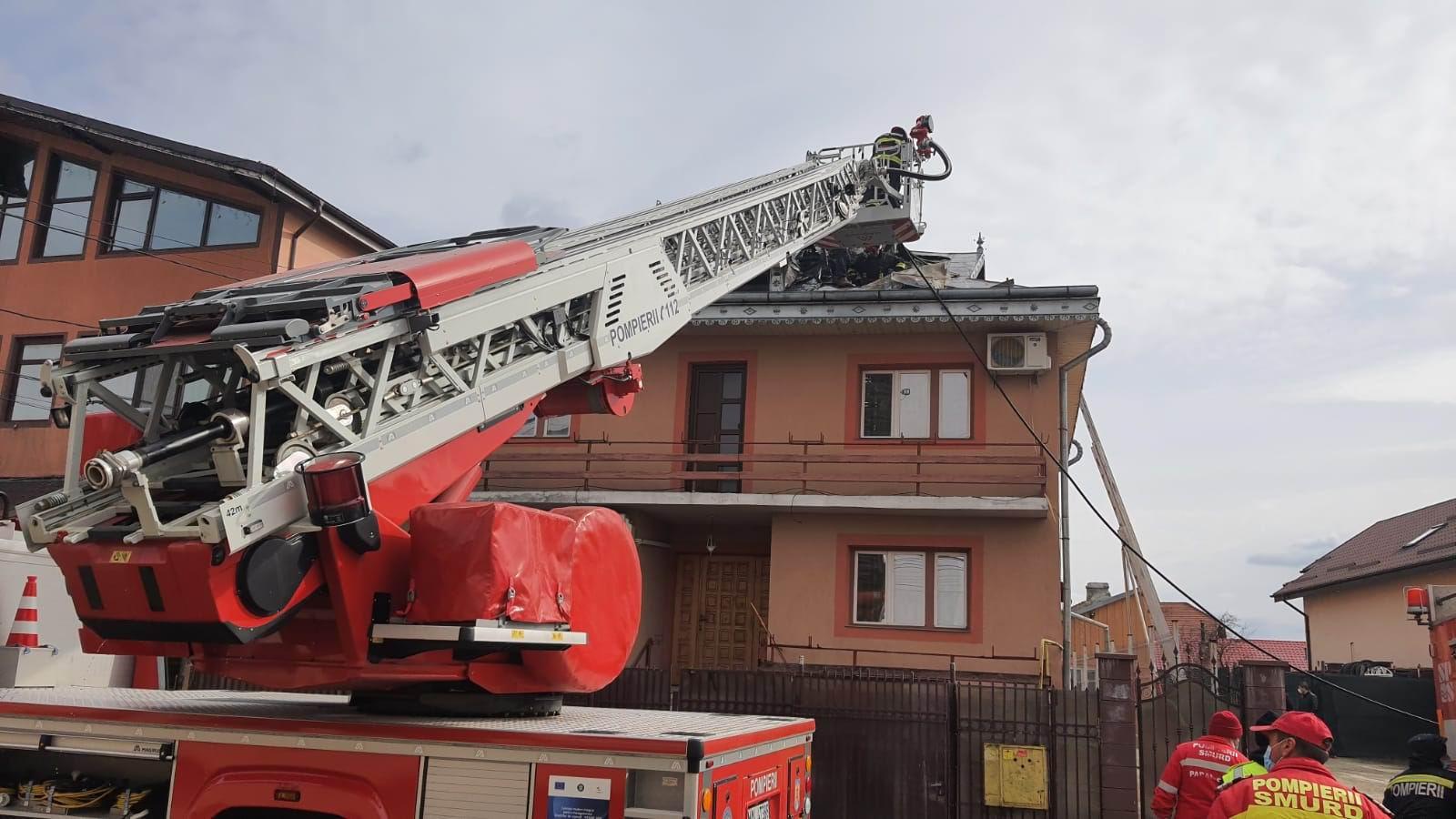 Incendiu pe strada Bogdan Dragoș, lângă restaurantul Prestige