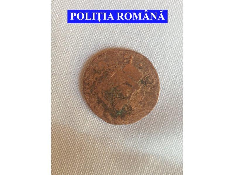 Monedă din secolul al XVI-lea, găsită de un romașcan când săpa în curte