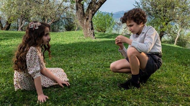 """Alessia Tofan și Eric Aradits în """"OCTAV"""" (Foto: Adi Marineci)"""