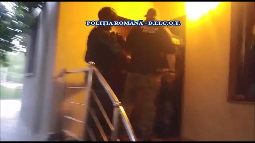 [VIDEO] Rețea internațională de trafic de cocaină, ketamină și canabis, destructurată. Percheziții în Neamț